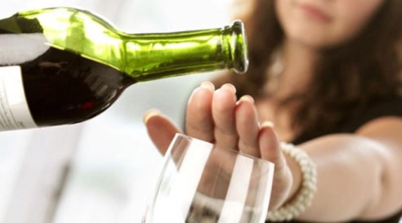 Аллергия на алкоголь: как проявляется, симптомы, фото