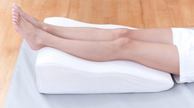 Аллергия на ногах: как проявляется и почему чешутся красные пятна на коже