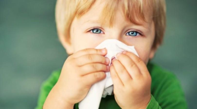 Аллергический ринит у ребенка: симптомы и лечение насморка