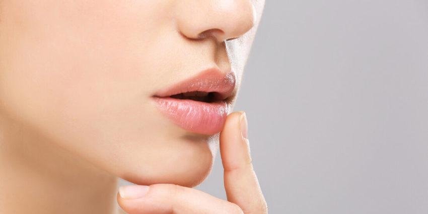 Проявление аллергии на губах