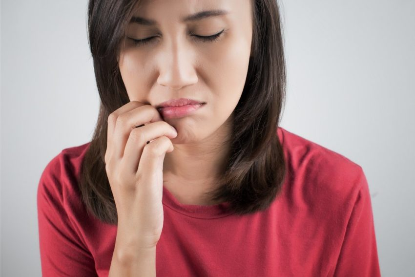 Боль в губах