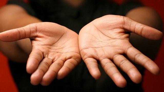 Горят ладони рук: причины ощущения жара и жжения
